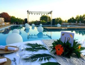 Push boundaries: Poolside gala dinner setup, Obonjan